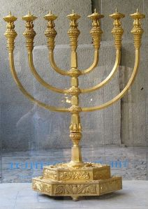 temple-menorah
